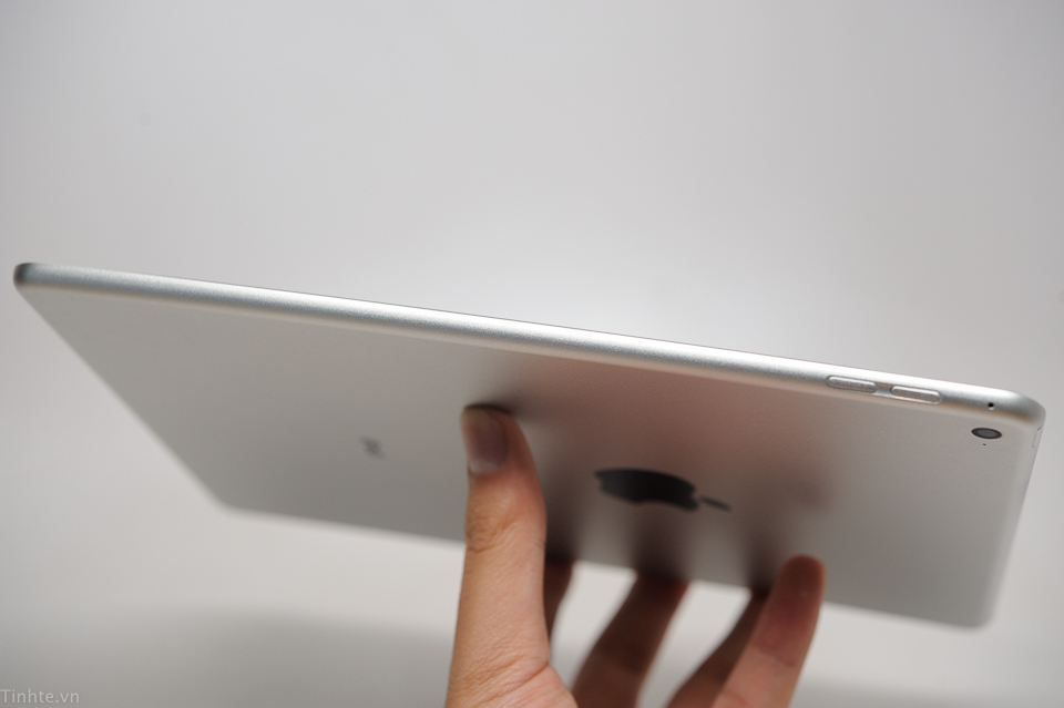 iPad 2014試作機? 側面